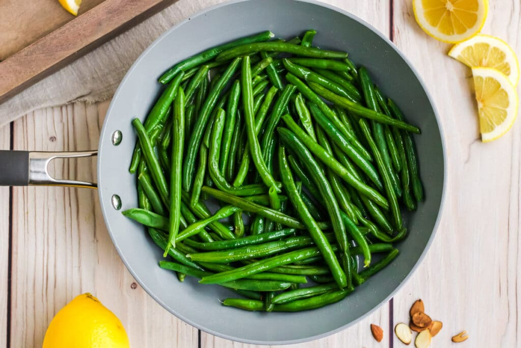 cooked green beans for green beans almondine