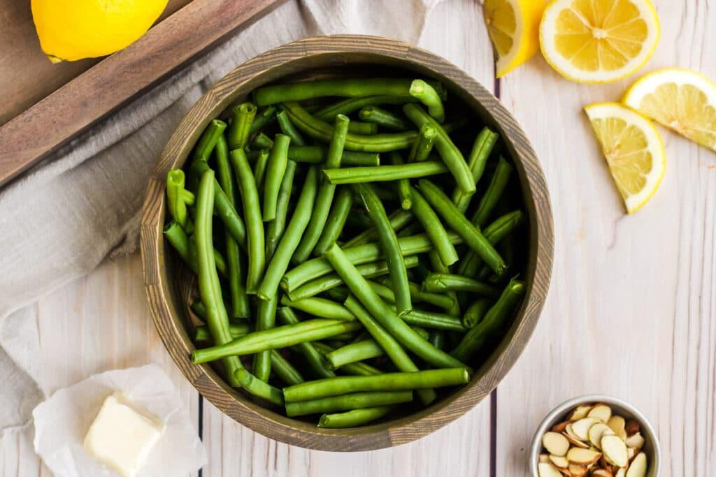 bowl of fresh green beans for green beans almondine