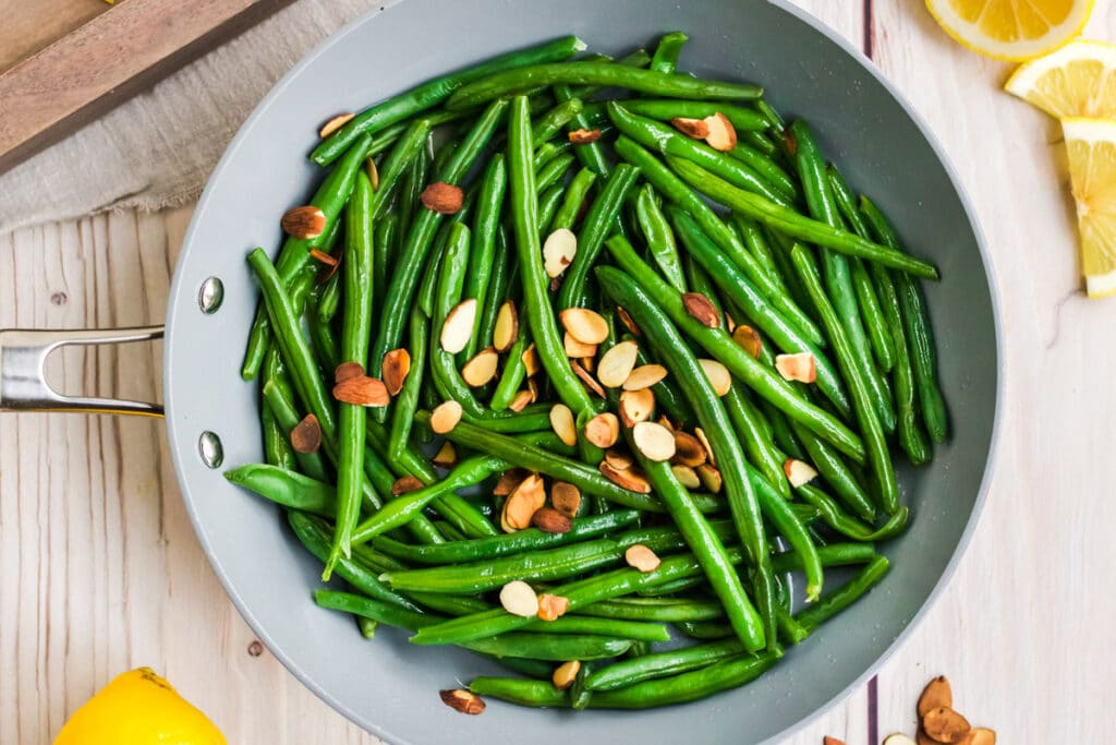 cooking green beans almondine